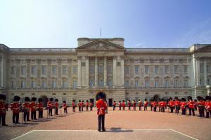 buckingham-palace-21976488
